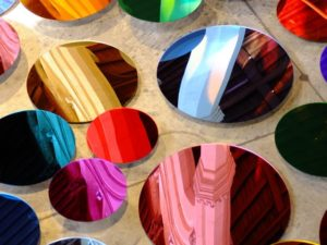 International Artist Liz West comes to Chester –  Our Colour Reflection