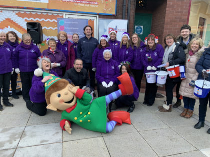 Shoppers Delight At Sign Choir Christmas Performance